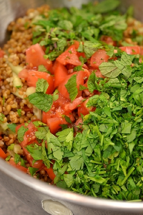 einkorn-berry-salad-tomatoes-mint